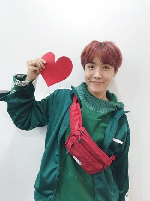 Loạt idol Hàn thể hiện phong cách với chiếc túi hot nhất - 3