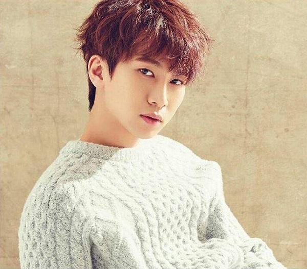 10 idol Hàn ngoài đời còn đẹp hơn trong ảnh - 1