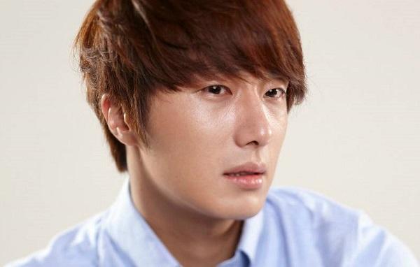 Nam diễn viên Jung II Woo