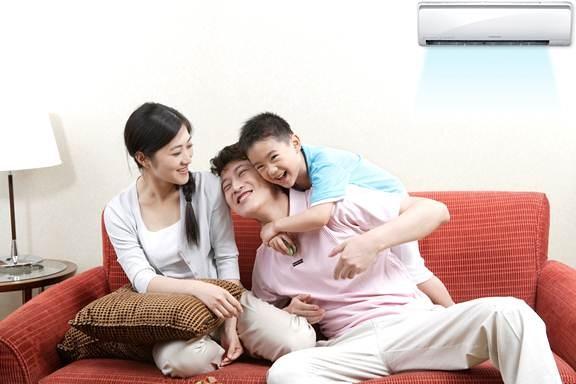 Thời tiết Việt Nam nóng thường xuyên, nên một chiếc máy điều hòa sẽ giúp gia đình bạn thoải mái hơn.