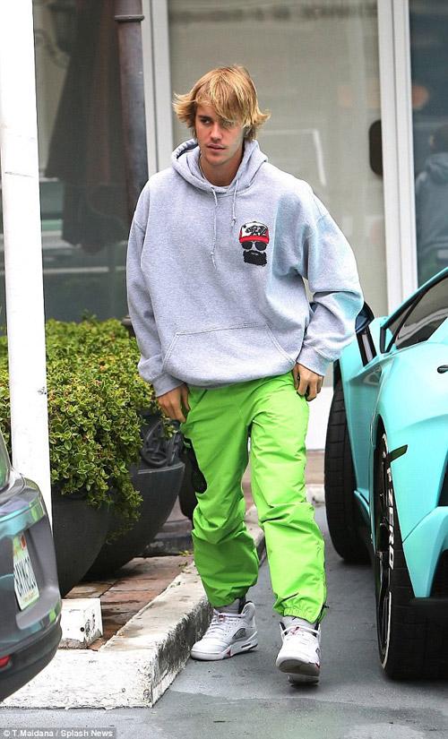 Hình ảnh mới nhất của Justin Bieber sau khi chia tay bạn gái.