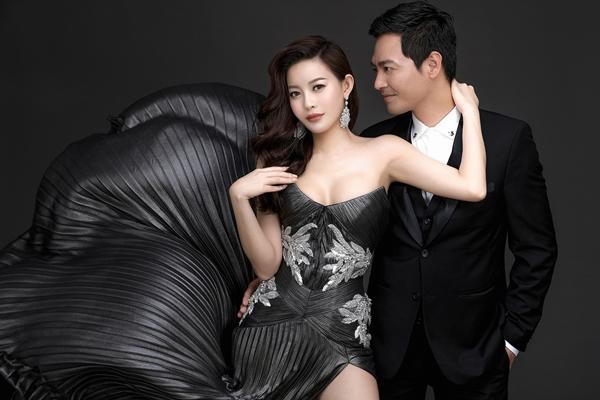 MC Phan Anh ôm eo Hoa hậu Hải Dương tình tứ - 2