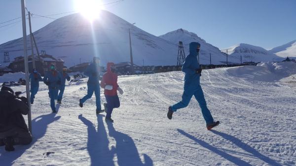 FWD sẽ tài trợ các gói bảo hiểm du lịch và tai nạn cá nhân cho các vận động viên tham gia Marathon Bắc cực 2018.