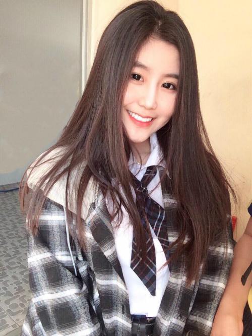 4 cô gái Việt được báo ngoại quan tâm bởi vẻ ngoài nổi bật - 2