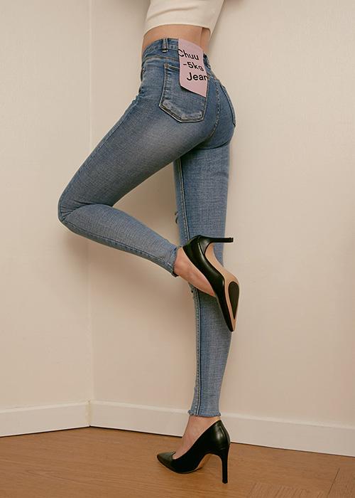 Kiểu quần đặc biệt giúp con gái Hàn ai cũng chân thon dài - 2