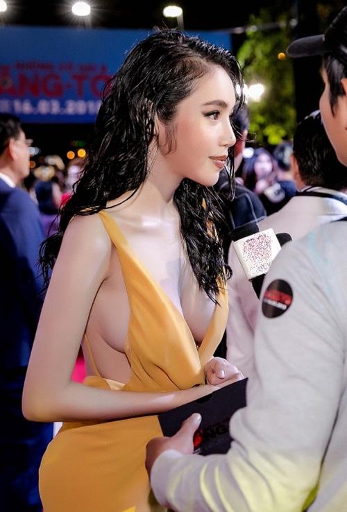 Elly Trần thả rông vòng một bạo chưa từng thấy trên thảm đỏ - 9