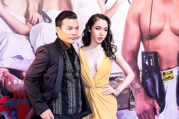 Elly Trần thả rông vòng một bạo chưa từng thấy trên thảm đỏ - 7