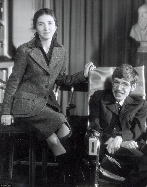Tình yêu vượt lên ranh giới sinh tử của Stephen Hawking và vợ - 1