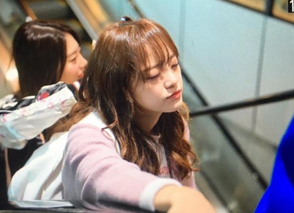 Những lần các idol Hàn xuất hiện mệt mỏi đến không mở được mắt - 1