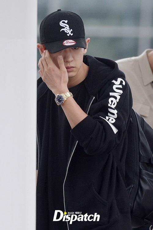 Những lần các idol Hàn xuất hiện mệt mỏi đến không mở được mắt - 6