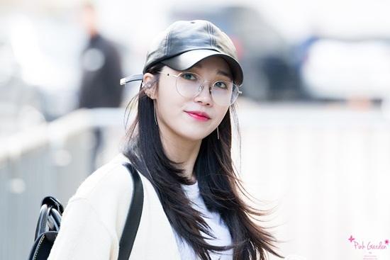 3 idol nữ đeo kính là toát lên thần thái của girl crush - 7
