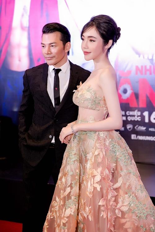 Elly Trần khoe ngực đẹp hút mắt cạnh Trần Bảo Sơn - 4
