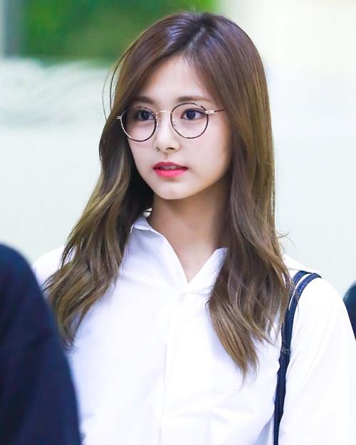 3 idol nữ đeo kính là toát lên thần thái của girl crush - 4
