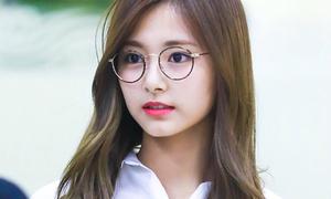 3 idol nữ đeo kính là toát lên thần thái của 'girl crush'