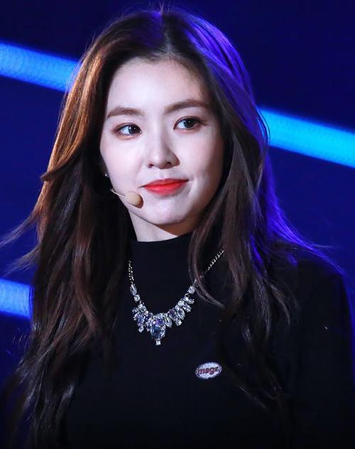 10 kiểu tóc bất hủ của sao Hàn con gái nên thử hè này - 8