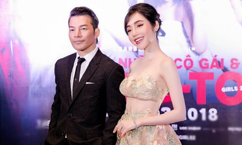 Elly Trần khoe ngực đẹp hút mắt cạnh Trần Bảo Sơn