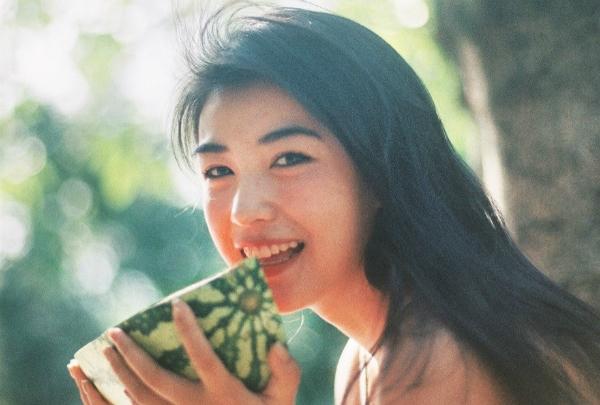Vẻ đẹp cổ điển gây thương nhớ của 9x Trung Quốc