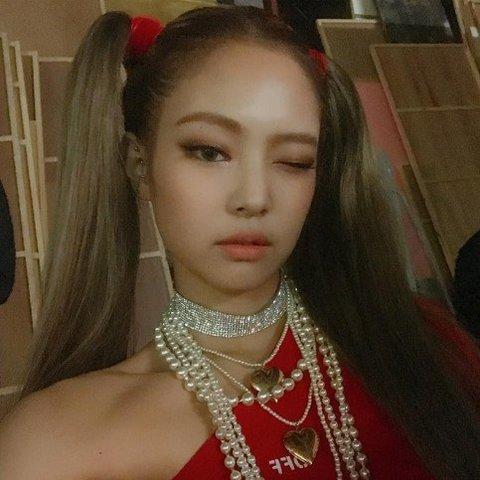 Những nữ idol Hàn cute lạc lối với kiểu tóc cột 2 bên - 1