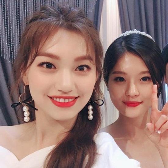 Hội chị em gái xinh đẹp chẳng kém cạnh của idol Kpop - 8