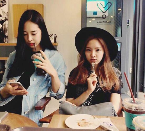 Hội chị em gái xinh đẹp chẳng kém cạnh của idol Kpop - 1