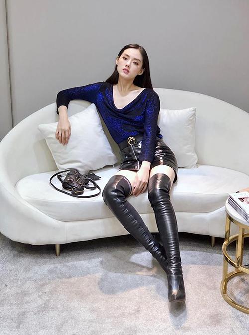 Street style mát mẻ chào hè của sao, hot girl Việt tuần qua - 5