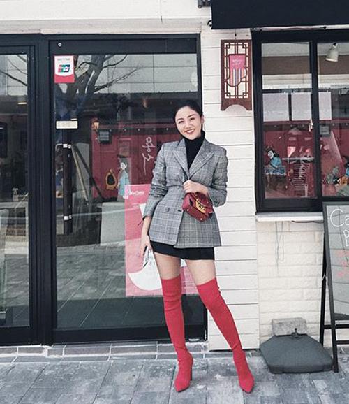 Street style mát mẻ chào hè của sao, hot girl Việt tuần qua - 1