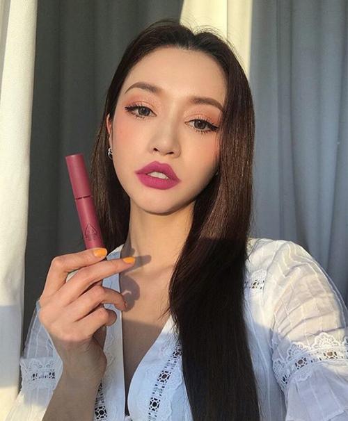 Chi Pu học mốt tô son bị chê thảm họa của hot girl số 1 Hàn Quốc - 2