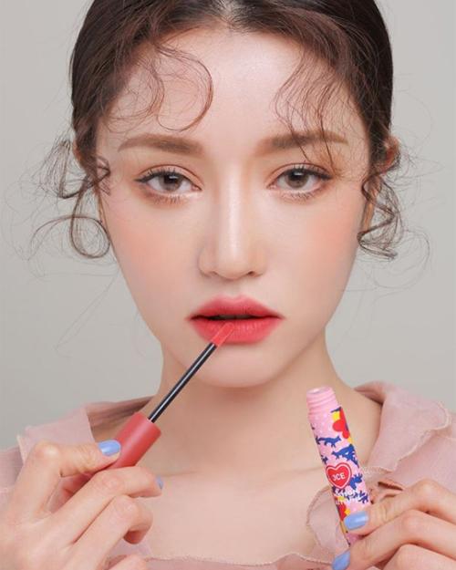 Chi Pu học mốt tô son bị chê thảm họa của hot girl số 1 Hàn Quốc - 4
