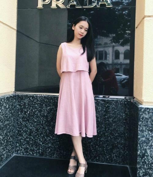Nguyễn Thị Thu Nga, học sinh lớp 12D7.Cô bạn đã xuất sắc đạt giải triển vọng cuộc thiShine your lightnăm 2017 - 2018.