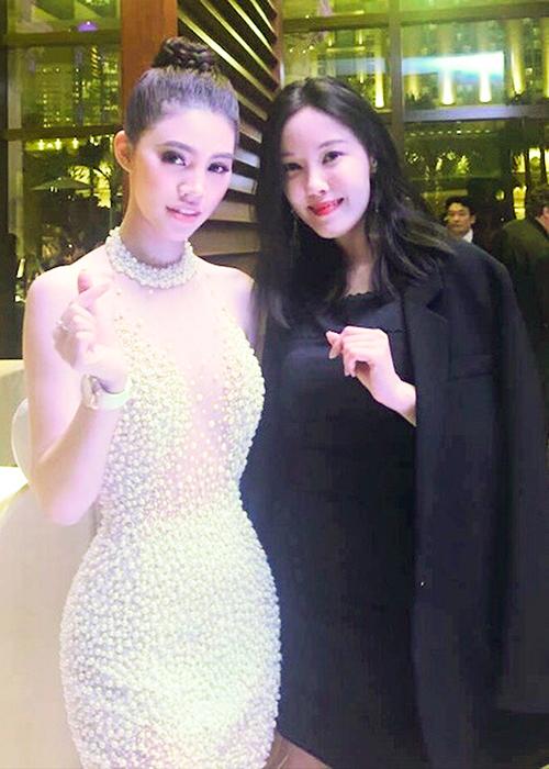 Jolie Nguyễn gợi cảm pose hình với Cổ Thiên Lạc, Hyo Min - 6