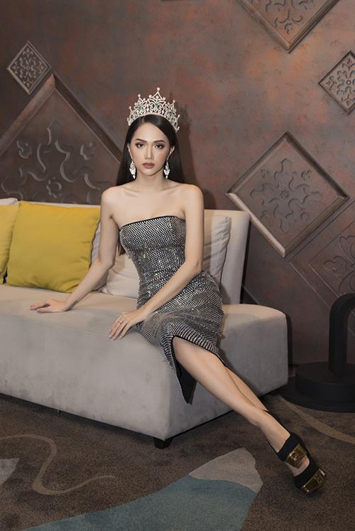 Hương Giang ngày càng sang chảnh với biểu cảm đậm chất hoa hậu - 1