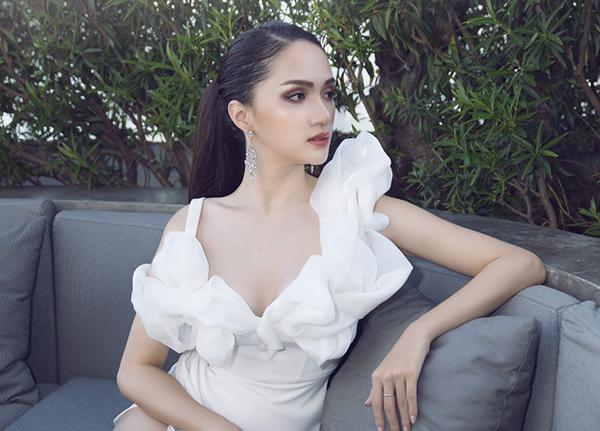 Hương Giang ngày càng sang chảnh với biểu cảm đậm chất hoa hậu - 5
