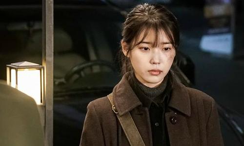 IU bị đánh bầm dập trong phim mới, khán giả kêu gọi dán nhãn 18+