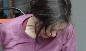 Ngô Thanh Vân gặp tai nạn nứt xương đầu gối khi đóng cảnh hành động