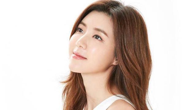 Park Han Byul lặng lẽ yêu và trở thành bà mẹ một con.
