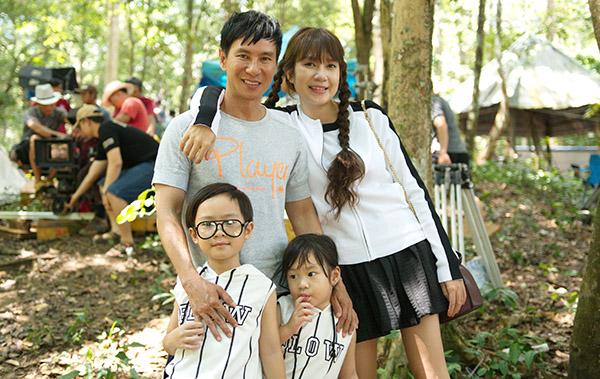Minh Hà diện váy ngắn trẻ trung đến tận phim trường thăm Lý Hải - 1