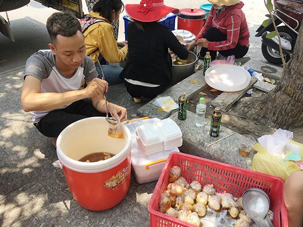 Hàng trăm suất cơm, đồ uống miễn phí ấm lòng người dân chịu cảnh cháy nổ - 5