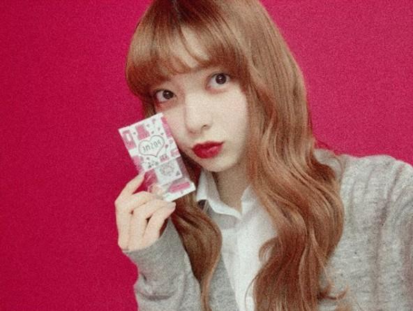 Mỹ phẩm sticker - cơn sốt đang khiến nữ sinh Nhật đua nhau mua - 6
