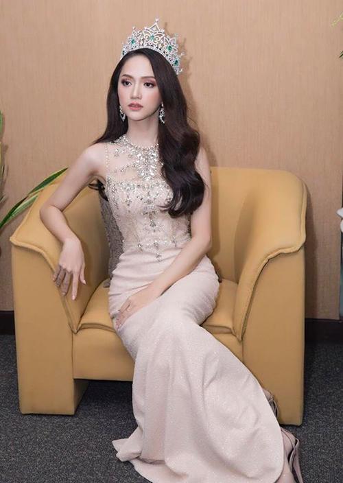 Hương Giang khác khó nhận ra khi vào tay chuyên gia makeup người Thái - 5
