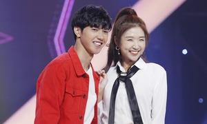 Hot girl Hàn Quốc hát hit của Chi Pu nhận 'mưa' lời khen