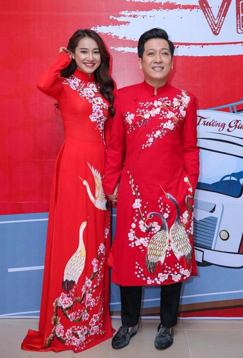 Trường Giang mặc áo đôi với Nhã Phương giữa tâm bão scandal - 7