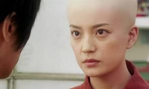 Cảnh trong 'Đội bóng Thiếu Lâm' khiến khán giả sốc khi thấy Triệu Vy