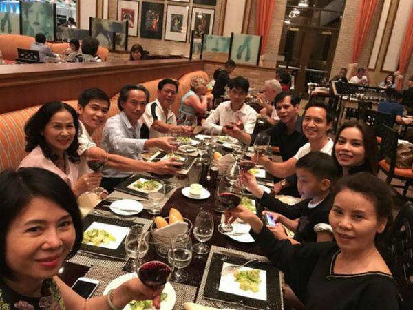 Kim Lý ngày càng thân thiết với bố mẹ Hồ Ngọc Hà - 3