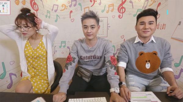Tối 26/3, nam diễn viên hài Tiko Tiến Công nhận lời làm khách mời trong chương trình Lột xác lời bài hát do nam ca sĩ Thanh Duy và hot girl Han Sara làm MC. Chương trình được phát sóng trực tiếp trên kênh V Việt Nam của V Live.