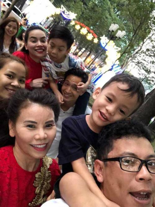 Kim Lý ngày càng thân thiết với bố mẹ Hồ Ngọc Hà - 2
