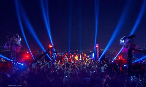 Cháy hết mình trong liveshow trên sân khấu cao nhất Việt Nam của Bức Tường
