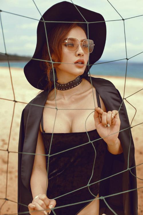 Phương Trinh Jolie thách thức mùa hè với bikini rực lửa - 7