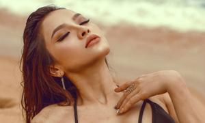 Phương Trinh Jolie 'thách thức' mùa hè với bikini rực lửa
