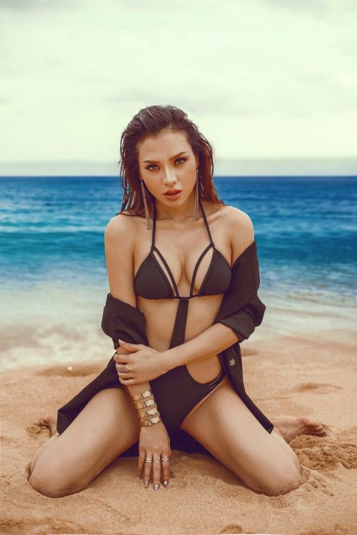 Phương Trinh Jolie thách thức mùa hè với bikini rực lửa - 4