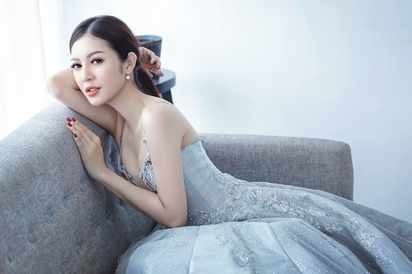 Cô gái 9x sở hữu nhan sắc xinh đẹp Bùi Lý Thiên Hương.